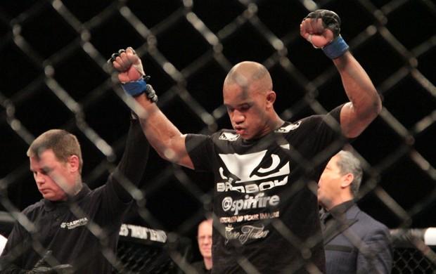Nicholas Musoke UFC Jaraguá do Sul (Foto: Rodrigo Malinverni)