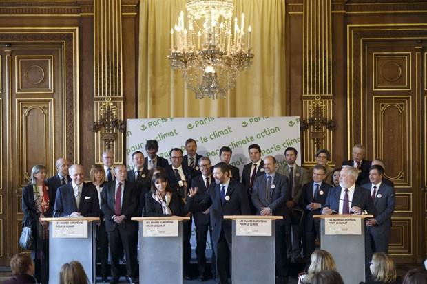 Prefeitos das principais cidades da Europa firmaram acordo para realizar ações contra a mudança climática (Foto: Eric Feferberg/AFP)