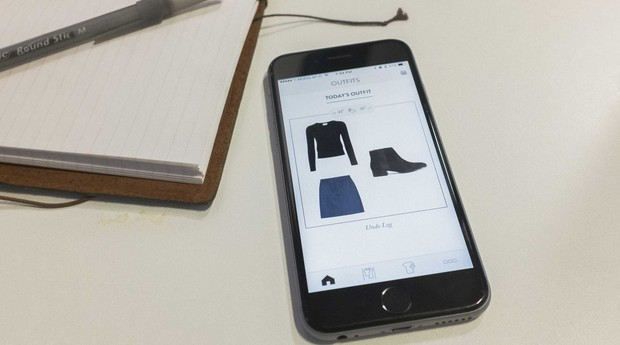 Aplicativo Outfits, da Cladwell, ajuda o usuário a escolher o que vai vestir naquele dia (Foto: Divulgação)