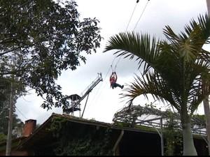 Empresários oferecem atividades de aventura para hóspedes das pousadas (Foto: Reprodução EPTV)