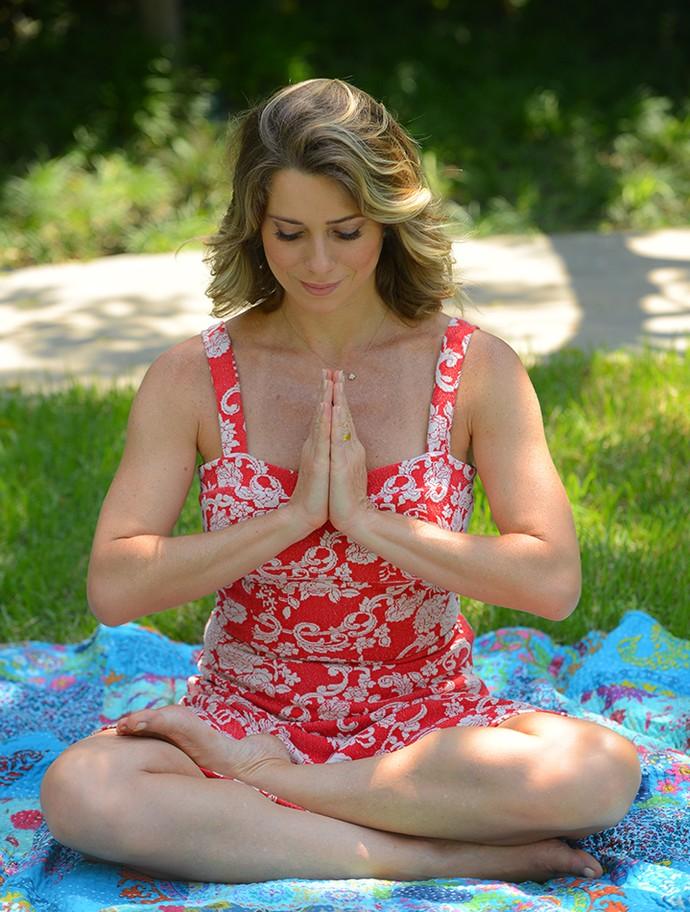 Letícia Spiller pratica ioga (Foto: Pedro Carrilho/Gshow)