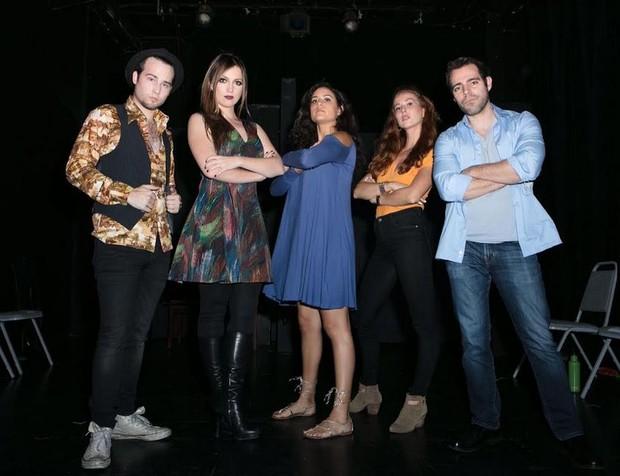 Julia Melim e elenco (Foto: Xanthe Elbrick/Divulgação)