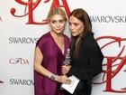 Ashley e Mary Kate Olsen recebem prêmio de moda em Nova York