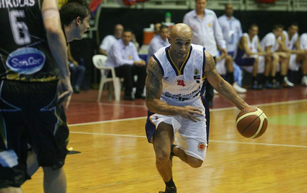 basquete Andre Bennet Laws São José (Foto: FIBA)