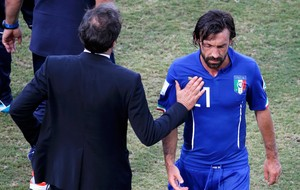 Pirlo Italia x Uruguai (Foto: Reuters)