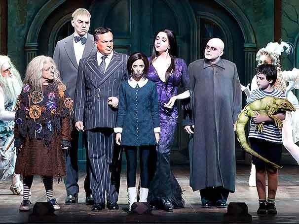 Elenco de 'A Família Addams' (Foto: João Caldas)