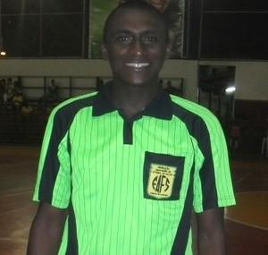 Único árbitro amapaense do quadro da CBF apita jogo neste domingo, no AM (Foto: Jonhwene Silva/GE-AP)