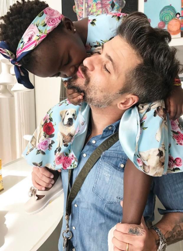 Bruno Gagliasso e a filha, Títi (Foto: Reprodução/Instagram)