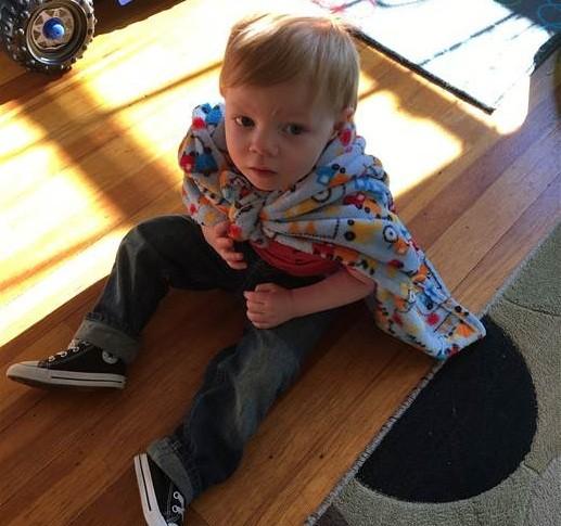 Parker com seu cobertor original (Foto: Reprodução)
