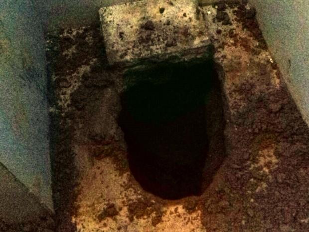 Túnel de 30 metros de extensão foi descoberto na Ala B do 'Pereirão', em Caicó (Foto: Divulgação/ Sejuc)