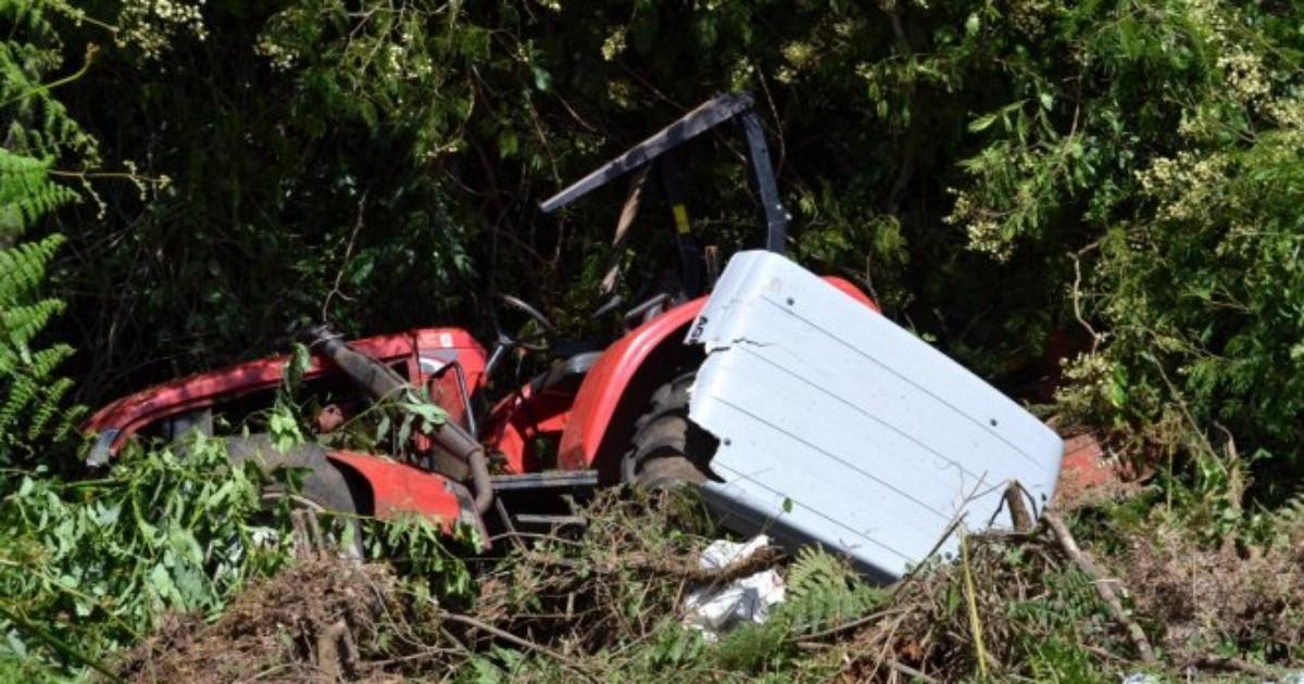 Trator despenca em barranco e mata agricultor no Oeste catarinense - Globo.com