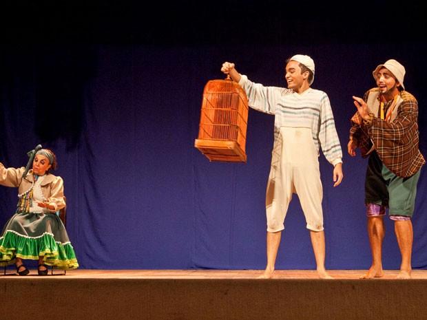 """Peça """"O menino da gaiola"""" estreia no Teatro Apolo, no Recife (Foto: Angulo Cinematografia / Divulgação)"""