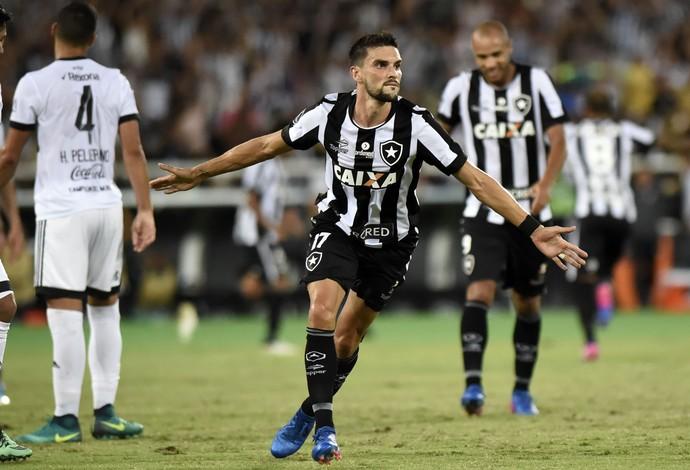Gol Pimpão Botafogo Olimpia (Foto: André Durão / GloboEsporte.com)