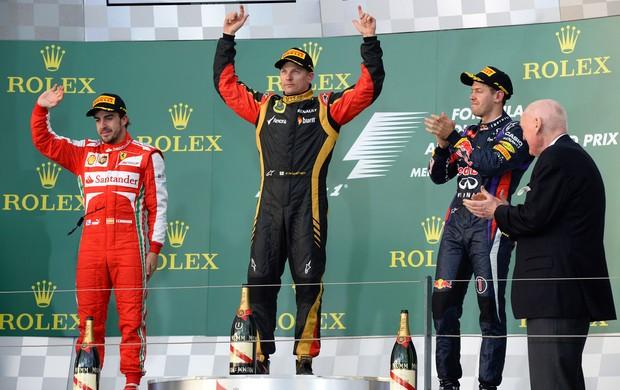 Kimi Raikkonen lotus Fernando alonso ferrari sebastian vettel RBR pódio GP da Austrália (Foto: Agência AFP)