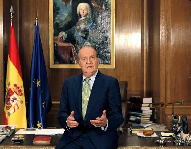 Juan Carlos I, o rei da Espanha, faz discurso de Natal nesta segunda-feira (24) (Foto: AP)