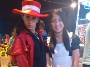 Gabriel Abílio e Jennifer Izumi fazem parte do grupo de cultura alternativa jovem, em Palmas (Foto: Gabriela Lago/G1)
