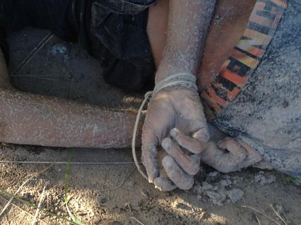 Corpo foi encontrado em Jacarapé (Foto: Walter Paparazzo/G1)