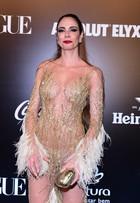 Luciana Gimenez usa look sexy e brinca: 'Tem calcinha e sutiã'