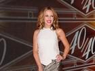 Kylie Minogue usa look curtíssimo para ir a boate