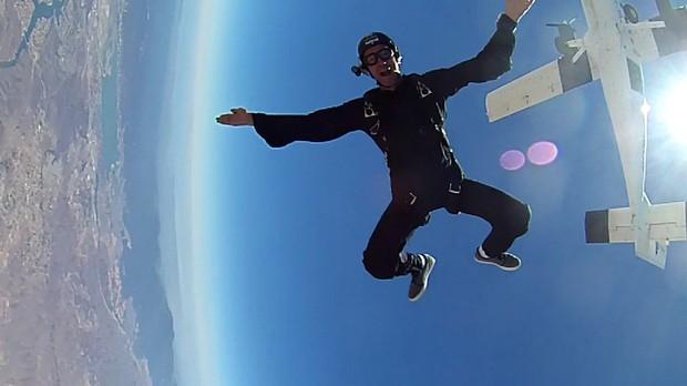 Bob fazendo sky diving (Foto: divulgao)
