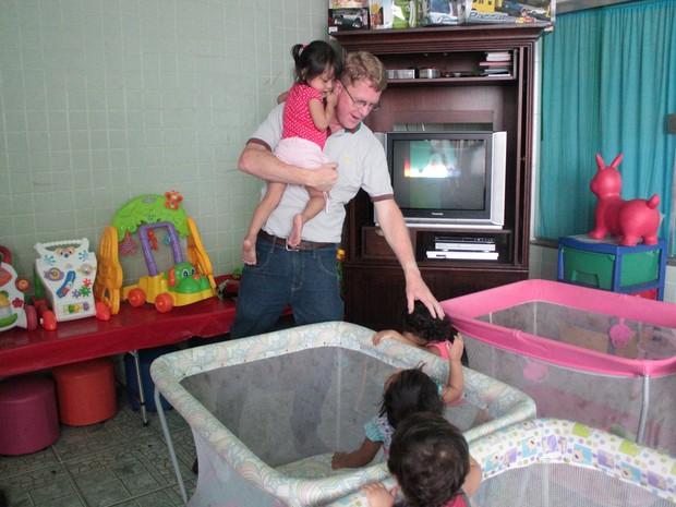 Mudança de local para atender mais crianças está nos planos da administração do abrigo. (Foto: Camila Henriques/G1 AM)