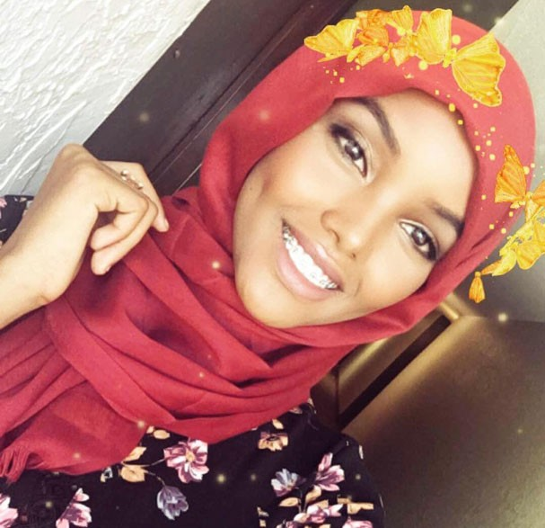 Halima Aden, primeira candidata a miss que usou hijab (Foto: Reprodução/Instagram)