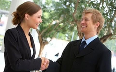 Como ser bem visto na empresa? Confira conselhos de especialistas