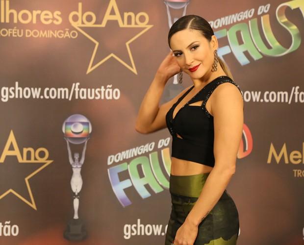 Cláudia exibe boa forma (Foto: Carol Caminha/Gshow)