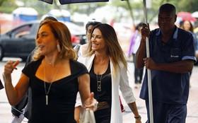 Cleo Pires e Cissa Guimarães gravam cenas de Salve Jorge em clima descontraído