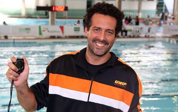 Higor Agostini, diretor de natação da Atlética da Unip Olimpíadas Universitárias (Foto: Satiro Sodre/AGIF/COB)