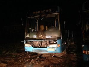 Houve tentativa de incêndio a ônibus em Governador Celso Ramos (Foto: Eduardo Fernandes/CBN Diário)