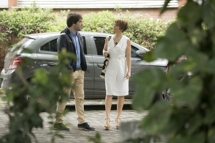 Helô tem conversa franca com Tiago (Foto: Raphael Dias/Gshow)