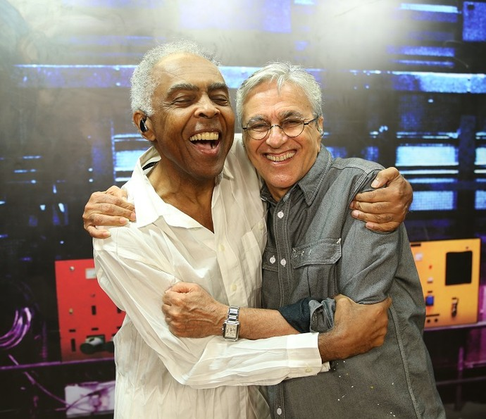 Caetano e Gil posam juntos nos bastidores do 'Altas Horas' (Foto: Carol Caminha/Gshow)