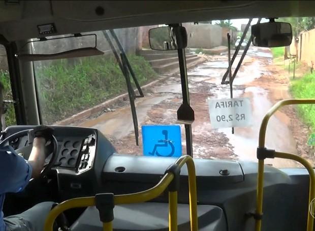 Bom Dia Brasil mostra descaso com ruas da Região Metropolitana de São Luís (Foto: Reprodução/Globo)