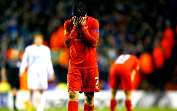 Luis Suarez  na derrota do Liverpool (Foto: Reuters)