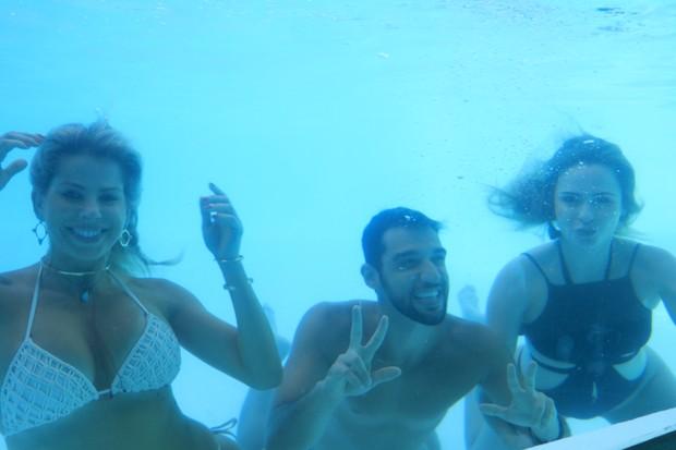 Karina, Dori Neto e Ana Paula Renault (Foto: Fred Pontes / Divulgação)