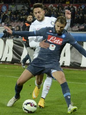 Henrique e D'Ambrosio, Napoli x Inter (Foto: Agência AP)