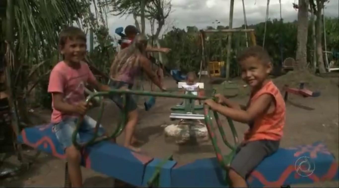 Parque construído com materiais reciclados por agricultor de Belém, região agreste da Paraíba. (Foto: Reprodução/TV Cabo Branco)