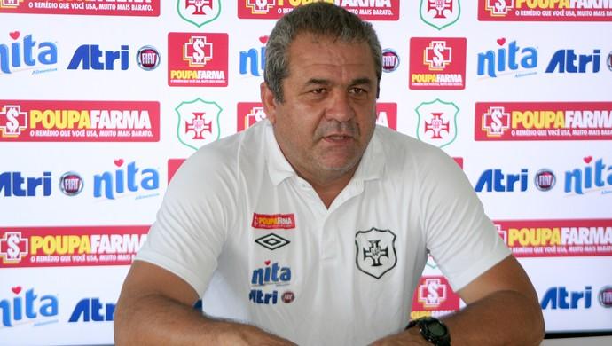 serginho, técnico da Portuguesa Santista (Foto: Alberto Ferreira / Assessoria Portuguesa Santista)