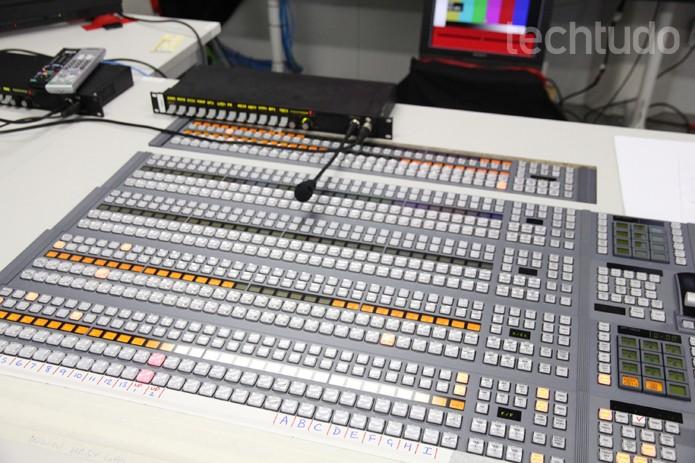 Mesa de controle das transmissões 4K (Foto: TechTudo/ Taysa Coelho)