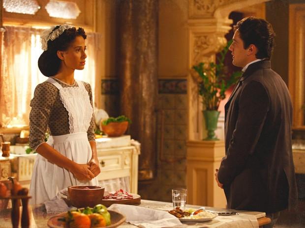 Albertinho é leviano e propõe logo casamento para tentar ganhar Isabel (Foto: Lado a Lado/TV Globo)