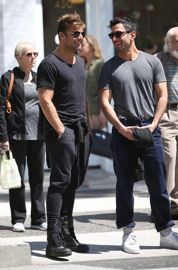 Ricky Martin e Jwan Yosef (Foto: AKM-GSI)