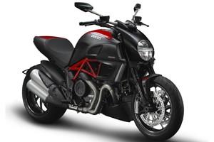 Ducati Diavel Carbon (Foto: Divulgação)