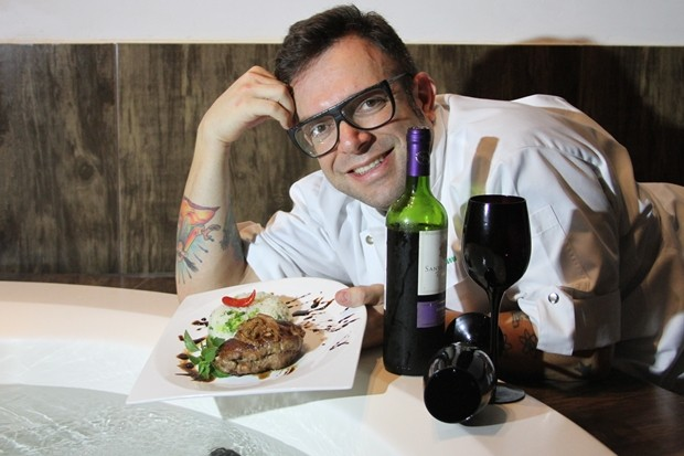Chef de cozinha André Barros, participantes do Festival Gatronomia Motel, em Goiânia (Foto: Adriano Zago/G1)