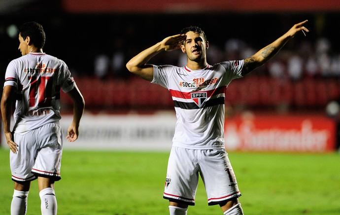 EXCLUSIVO: Flamengo e S�o Paulo devem acertar troca de Luxemburgo por Pato