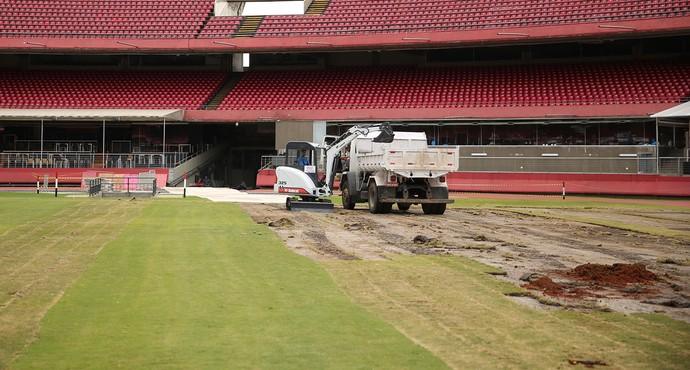 Campo vai diminuir de tamanho e vai ficar de acordo com o padrão da Fifa (Foto: Igor Amorim /  site oficial do SPFC)
