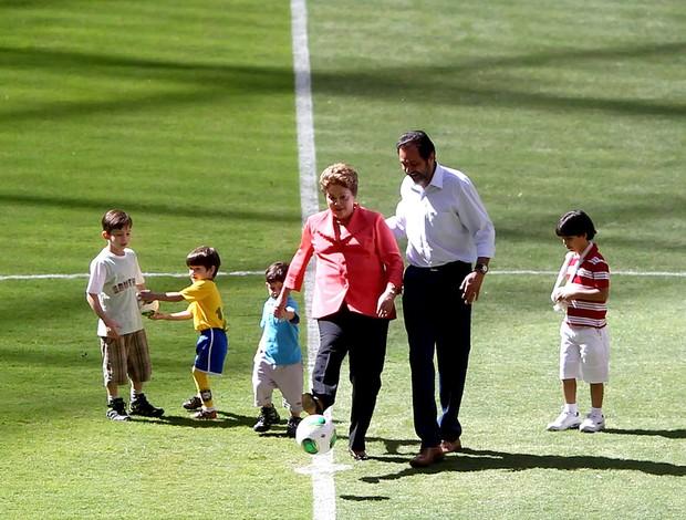 Dilma estádio Mané Garrincha inauguração (Foto: Adalberto Marques / Ag. Estado)