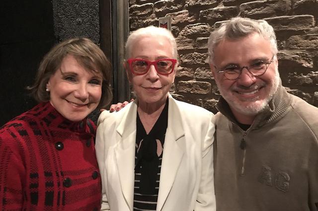 """Fernanda Montenegro assistiu no sábado a """"Eu não posso lembrar que te amei"""", com Sylvia Massari e Tadeu Aguiar (Foto: Gustavo Bakr)"""