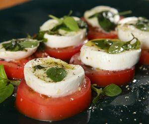 Salada caprese da Carolina Ferraz