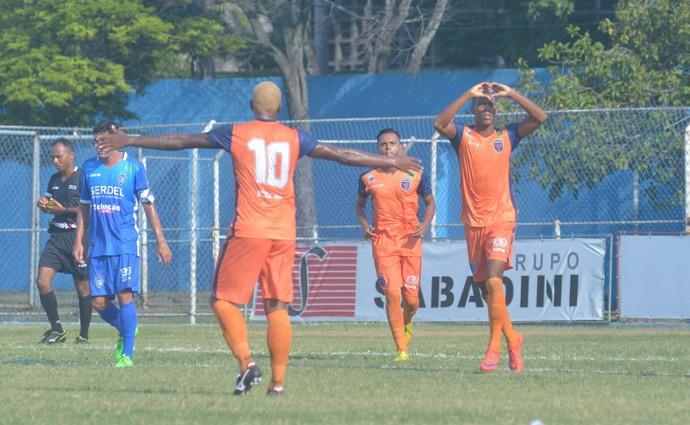 Doze conta com o talento de jogadores como Nilo, Chiquinho, Marconi e Zé Carlos para brilhar neste Capixabão (Foto: A Gazeta)